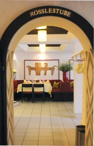 Restaurant Roesslestube Landgasthof Rössle Waldenbuch Roesslestube-Durchgang
