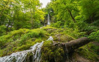 Wasserfall-Bad-Urach-Schwaebische-Alb-Urlaub-Waldenbuch-Roessle